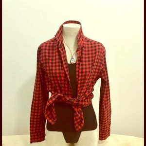 Forever 21 Men red and black gingham shirt. Size M